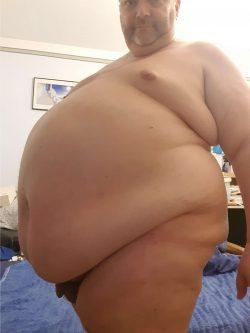 Still not fat enough look at this skinny loser haha