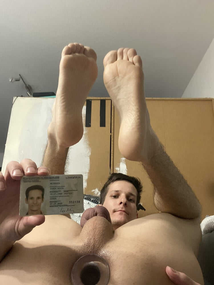 I am Slave Ramon Weirauch from Germany