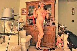 Nude BitsyQueen total queer queen.
