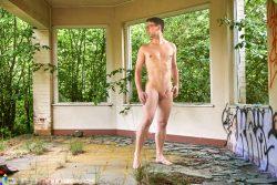 hot nudist Andreas aka Naturalnaked1980