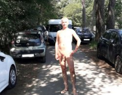 exhibitionist faggot Jules Dewitt