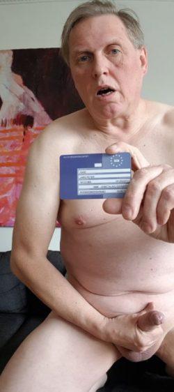 Wanking loser showing id