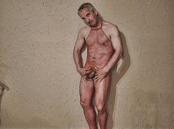 Laurenz Baars in lingerie